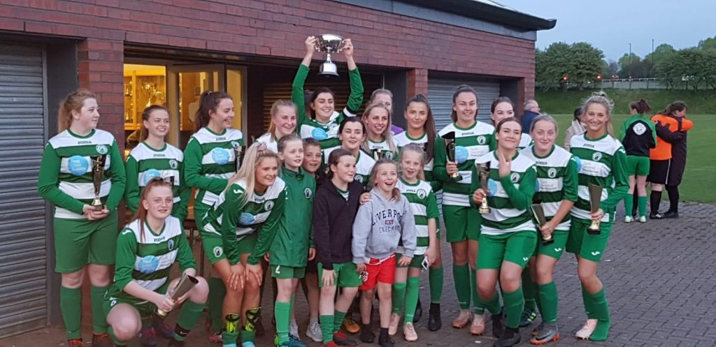 Taça de sucesso para o West Allotment Celtic Ladies 1